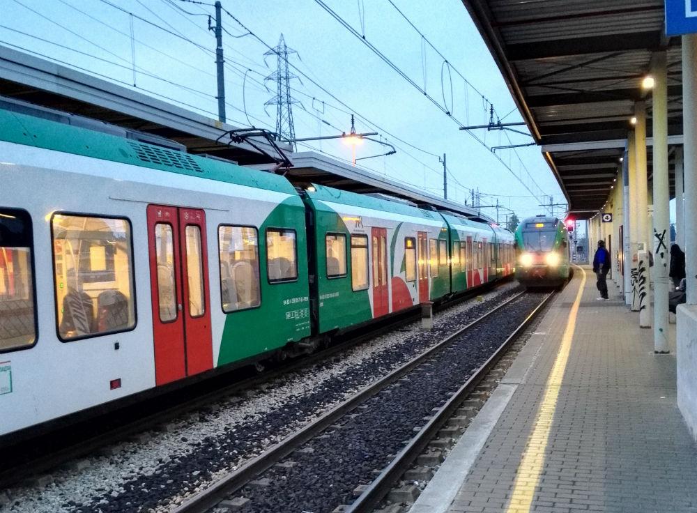 incrocio-treni-casalecchio-garibaldi-ottobre-2016-2